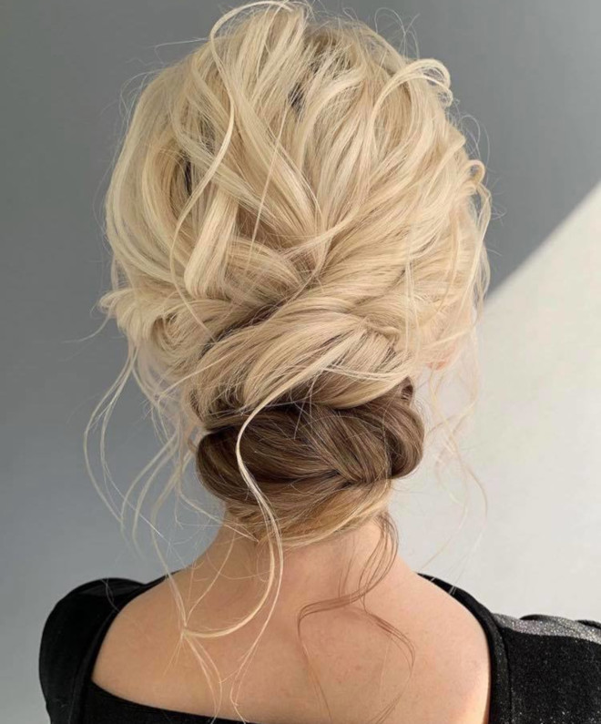 messy hairstyles that are perfect for humid summer weather