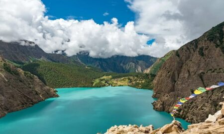 Phoksundo-lake-in-nepal-places-in-nepal-most-people-miss-1160x720