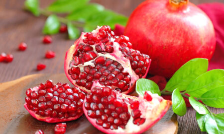 delicious-looking-pomegranate-all-about-pomegranate-and-its-effects-on-your-skin-health
