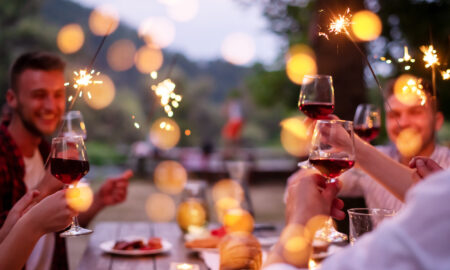 how-to-fit-wine-into-low-sugar-diet-group-partying-drinking-wine