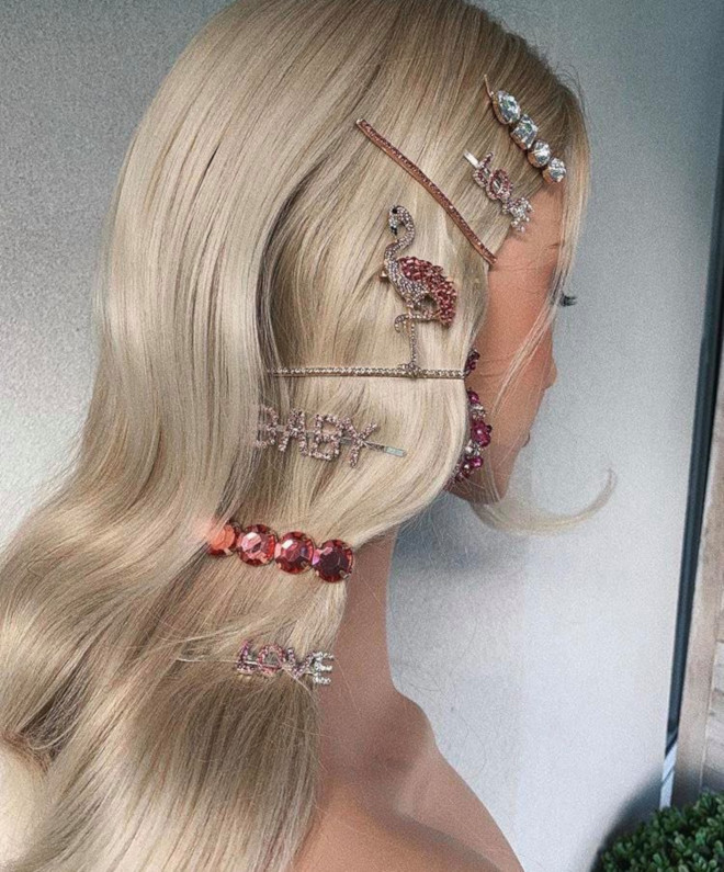 insanely chic ways to accessorize your hair this summer for a statement look 1