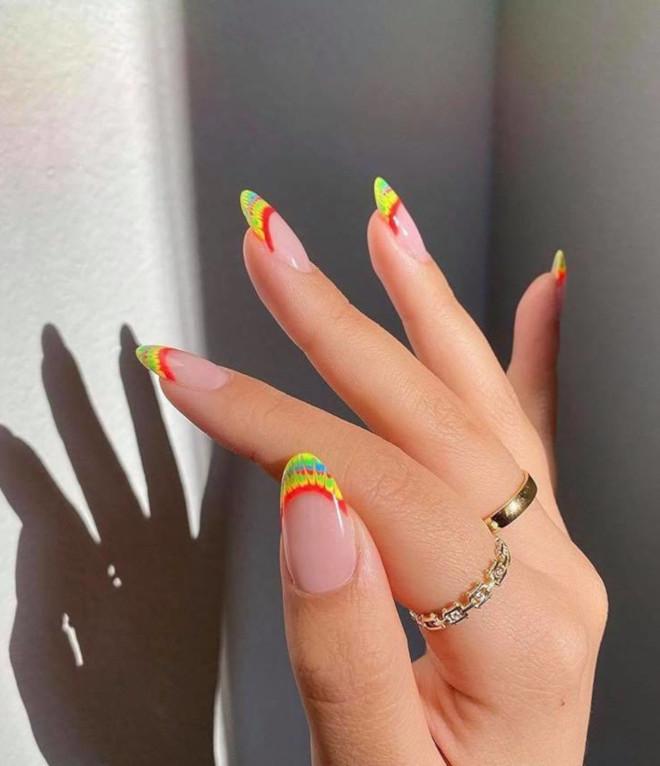 rainbow tie-dye french manicure 6