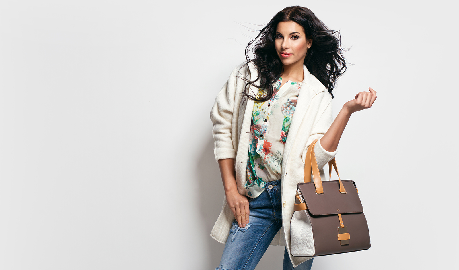 fluctuation-of-the-ideal-bodyweight-fashion-history-woman-in-fashionable-outfit-with-a-bag