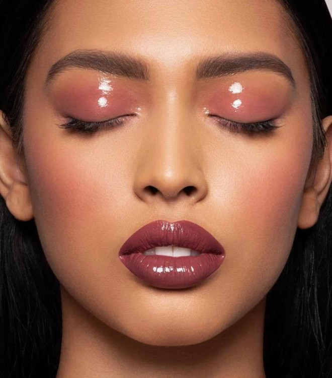 glossy lids makeup trend