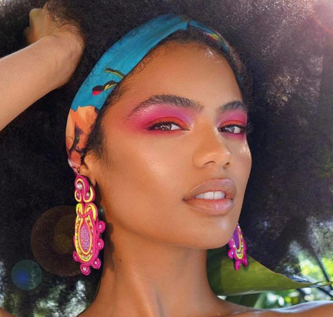how to turn yourself into a bombshell with neon makeup 10