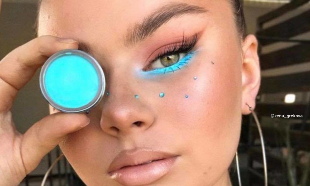 minimally-neon-makeup-trend-is-the-safest-way-to-wear-bright-hues-3-1-1000×600-1