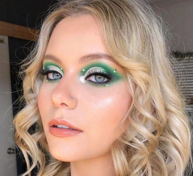 pearl makeup trend 3