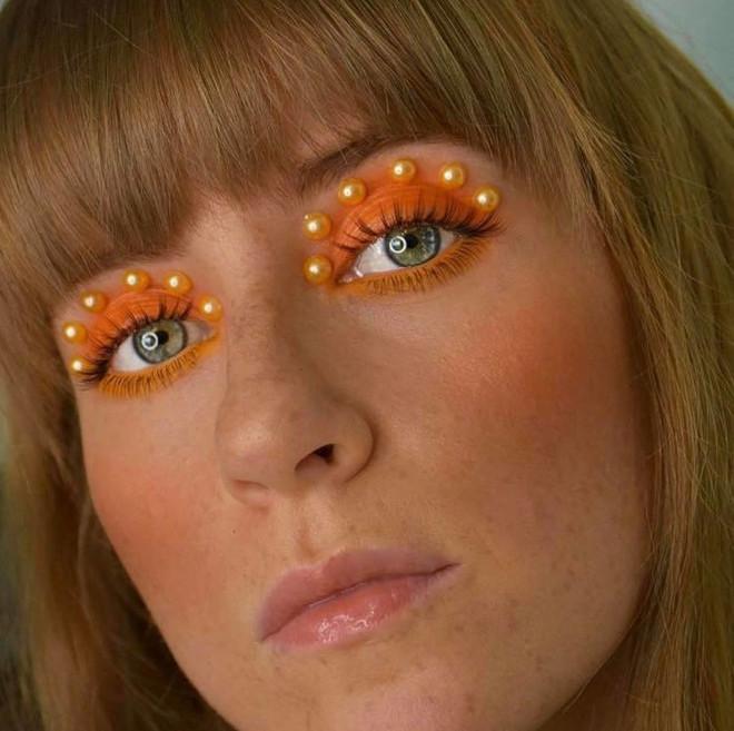 pearl makeup trend 5