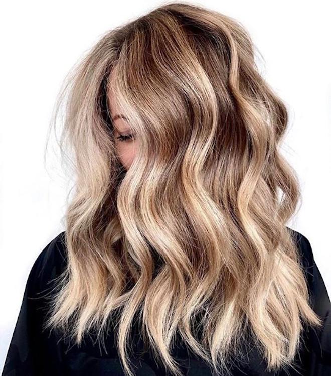 undone blonde hair trend 3