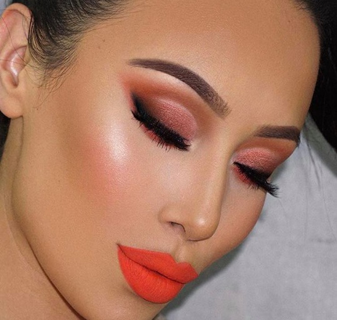 ways to pull off coral lipstick 6