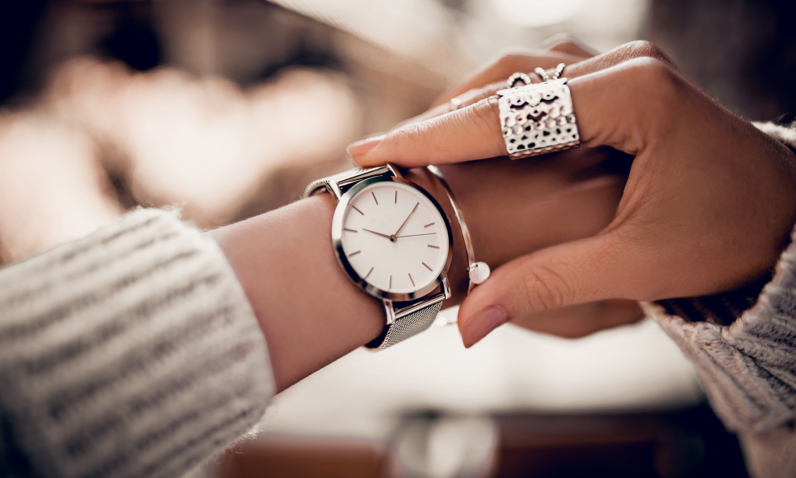 platinum-vs-white-gold-jewelry-woman-in-watch-and-ring-main-image