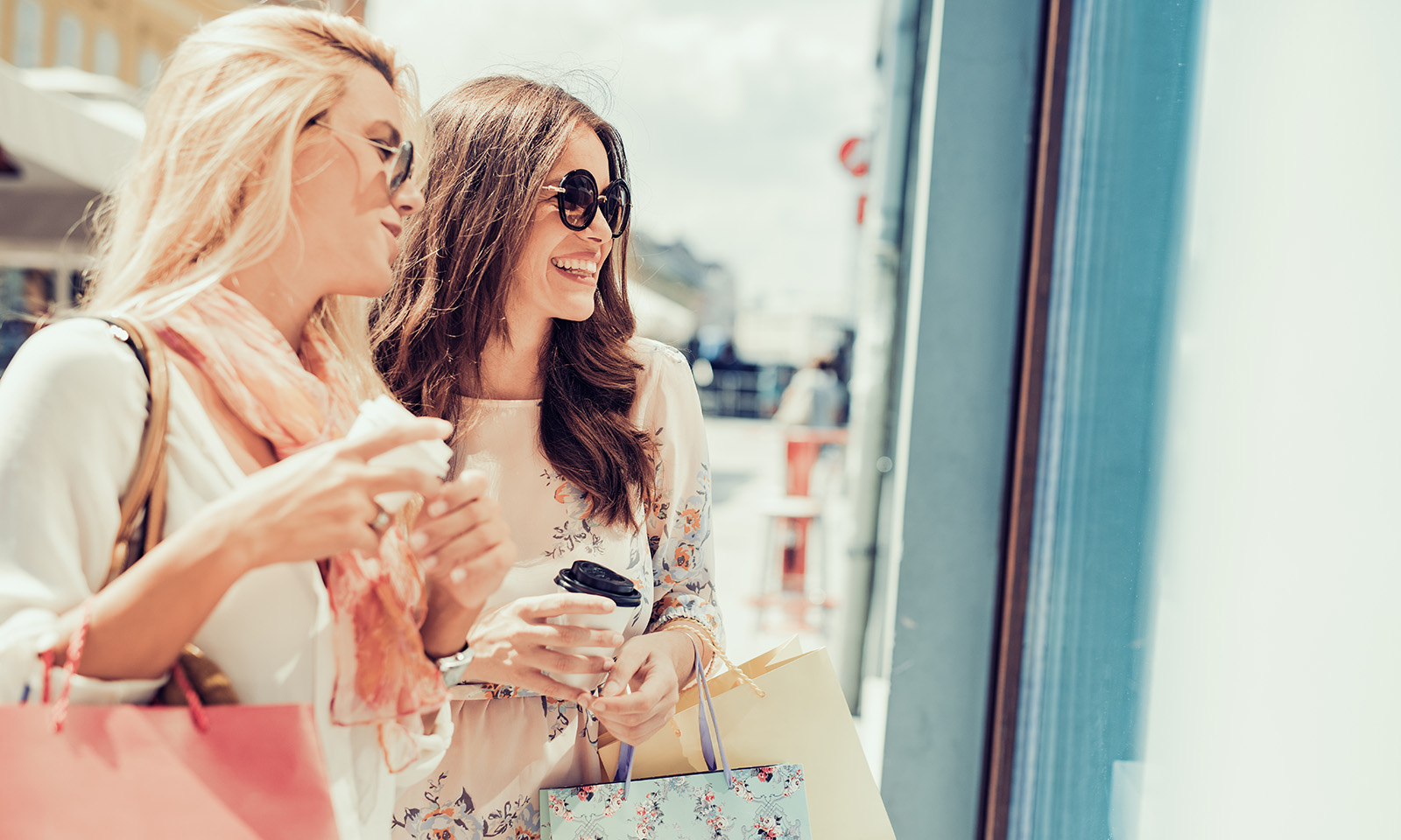 ways-to-get-motivated-friends-out-together-shopping-happy