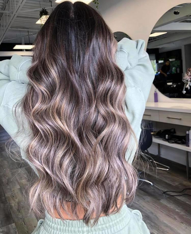 dirty brunette hair color trend for fall 5