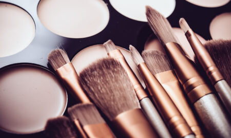 how-to-use-any-makeup-brush-makeup-palette-with-brushes