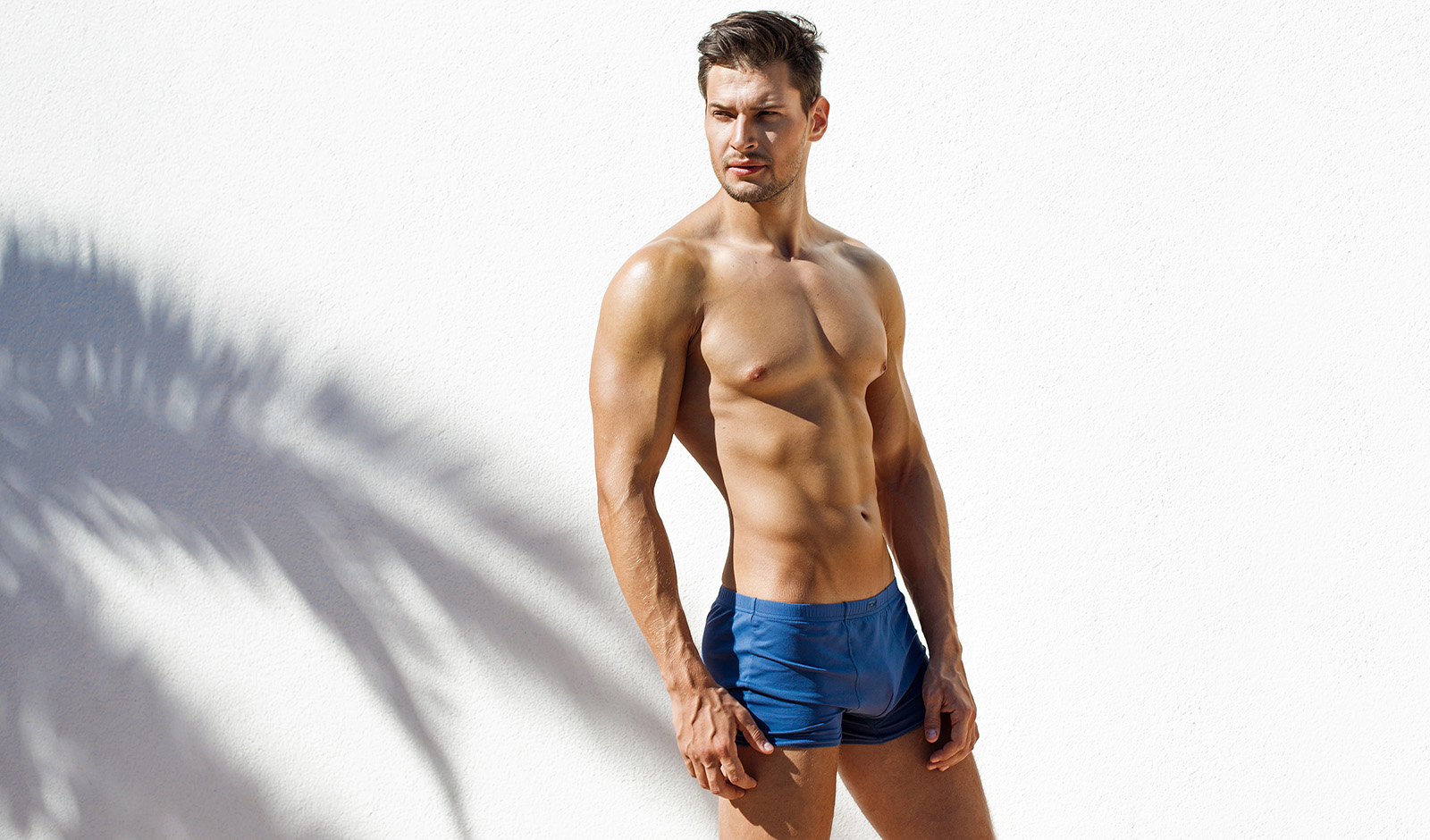 why-briefs-are-the-underwear-of-choice-main-image-man-in-briefs