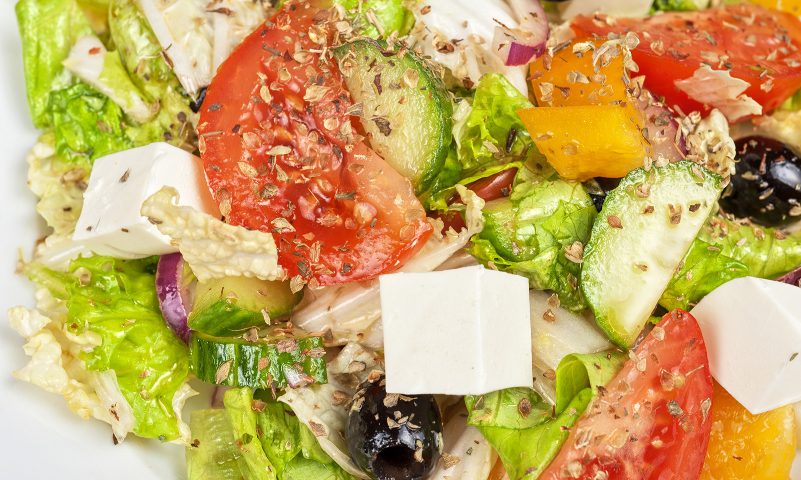delicious-salad-all-about-the-mediterranean-diet-and-its-benefits-main-image