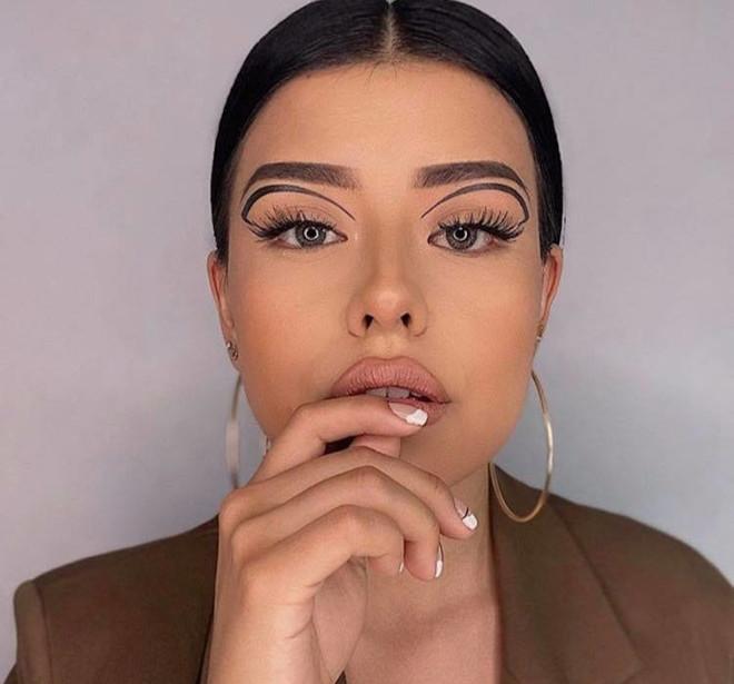 floating eyeliner makeup ideas for fall