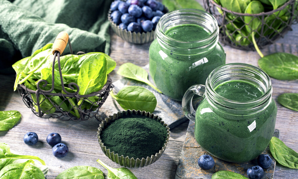 foods-to-boost-your-metabolism-main-image-green-drink-veggies-healthy
