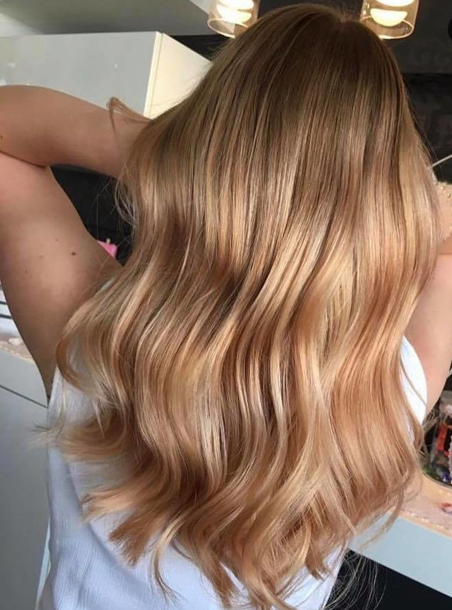 peachy blonde is the perfect light hair color for fall 7