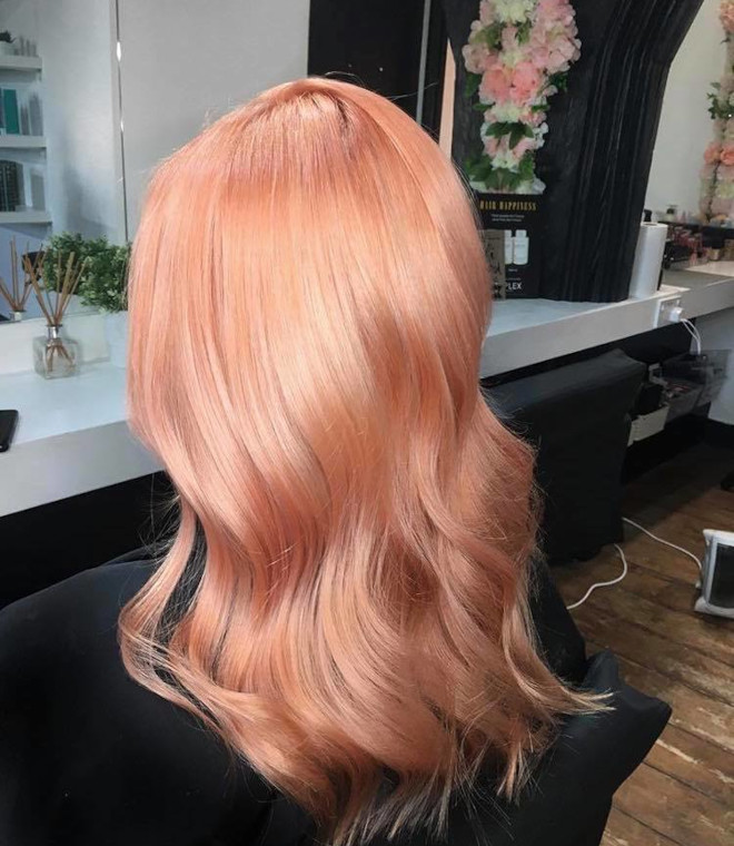 peachy blonde is the perfect light hair color for fall 9