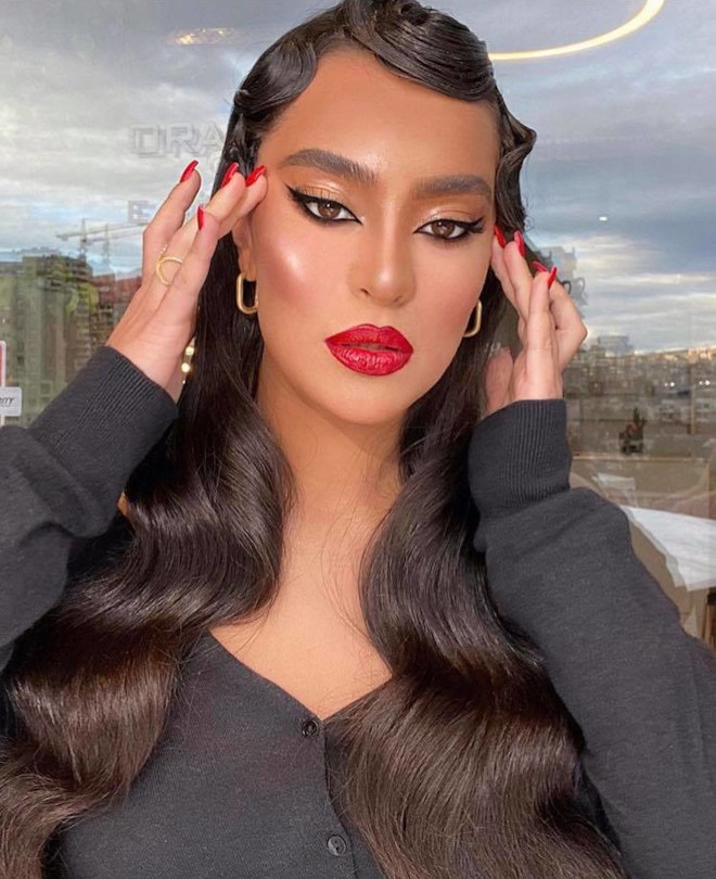 the femme fatale power of red lipstick
