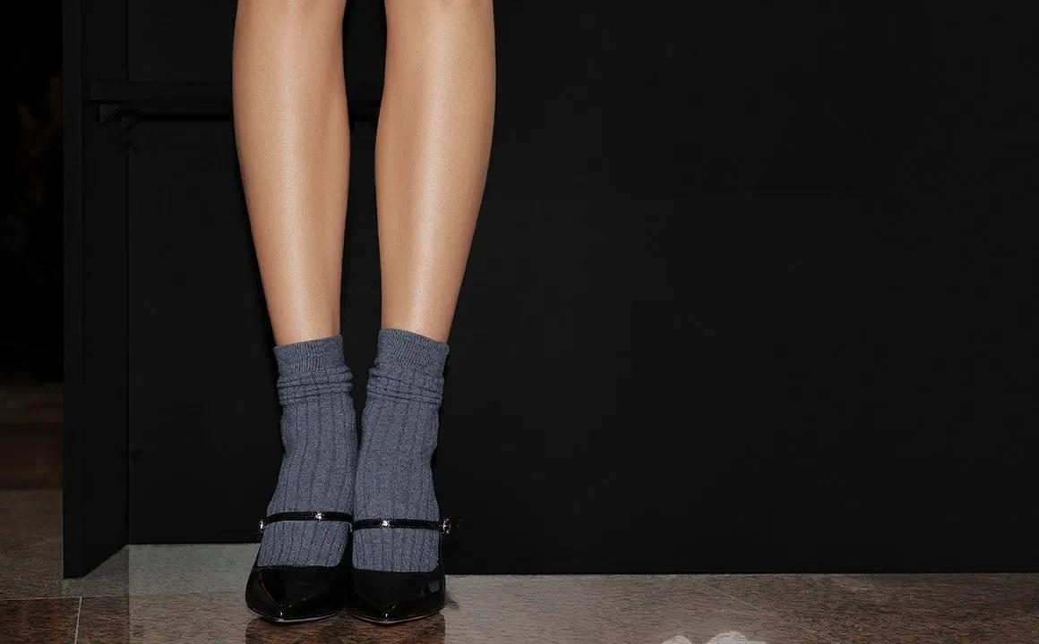 vital-fall-accessory-socks-sock-fashion-woman-wearing-socks-and-heels