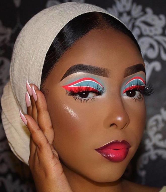 white eyeliner makeup looks for fall 8