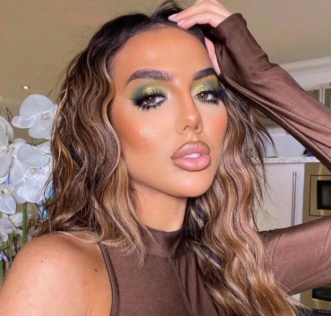 glamorous holiday makeup looks 8
