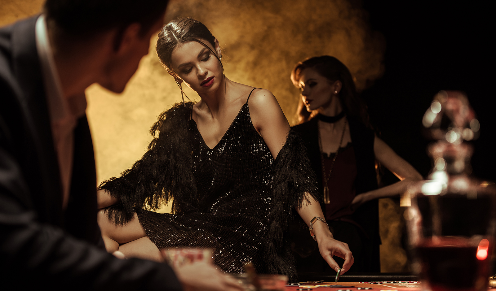 luxurious-destinations-for-casino-experience-beautiful-woman-in-luxury-casino