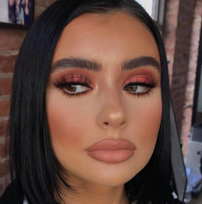 neutral holiday makeup looks 7