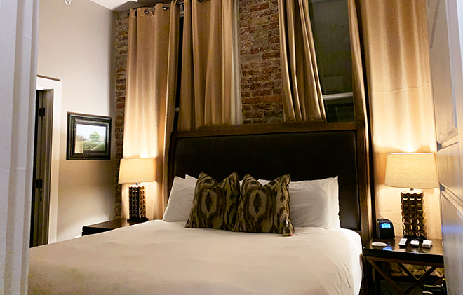 windsor-boutique-hotel-interior-asheville-north-carolina-king-suite (5)