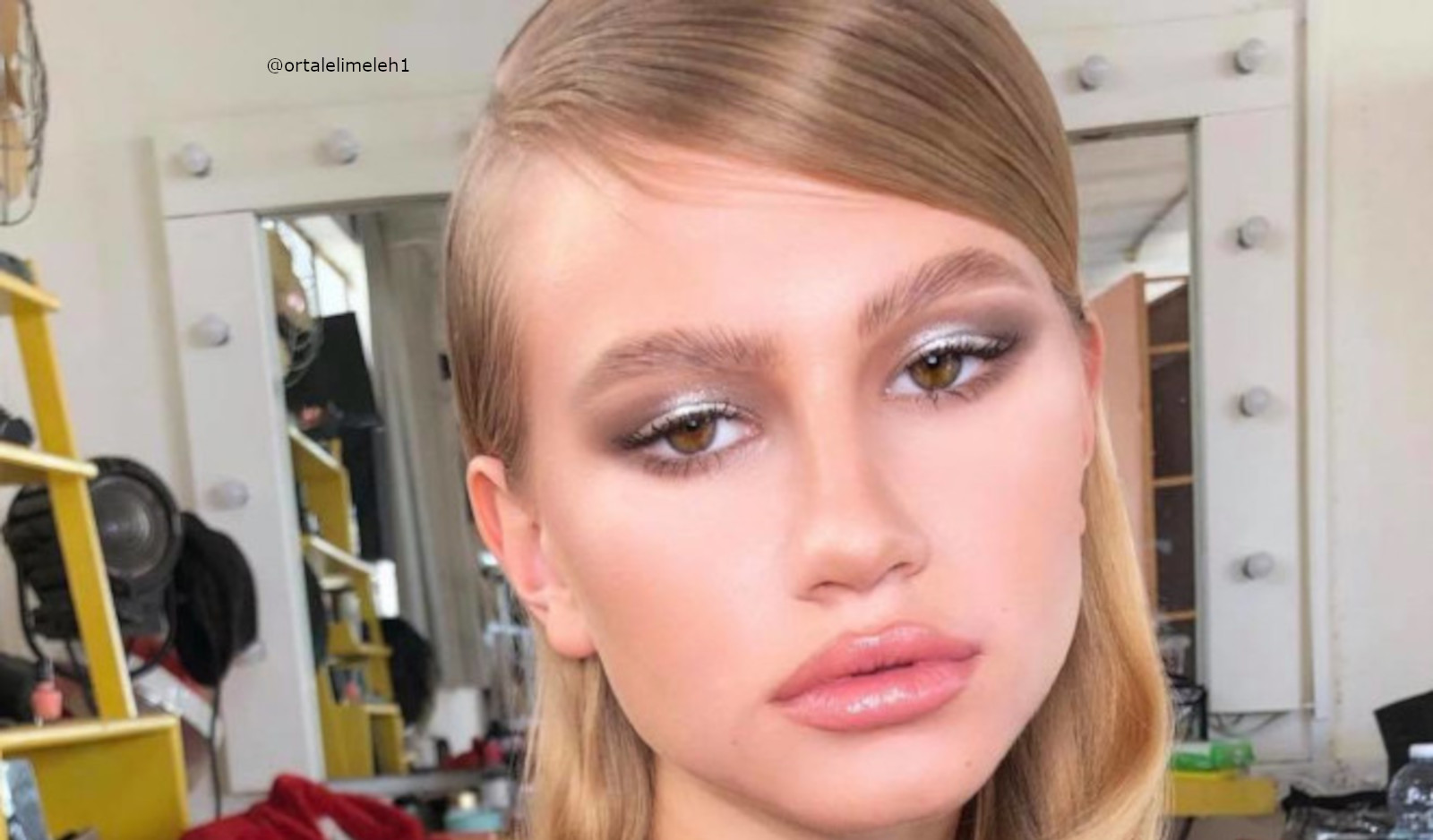 Glamorous & Easy New Year's Eve Makeup Looks