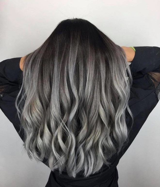 pantone's color of the year 2021 ultimate gray is expected to revive the silver hair trend 1