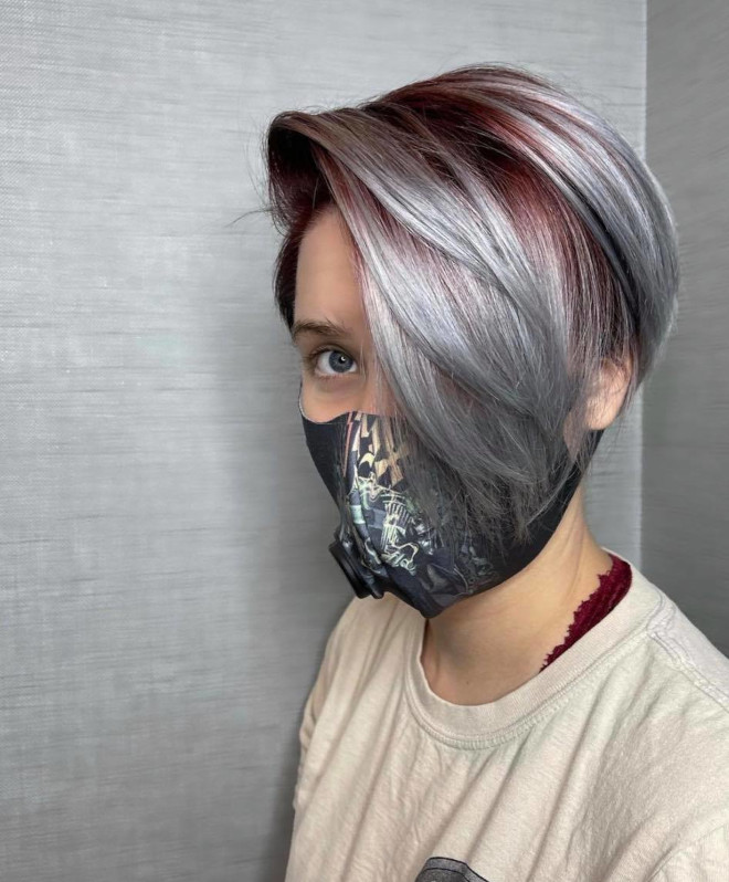 pantone's color of the year 2021 ultimate gray is expected to revive the silver hair trend 3