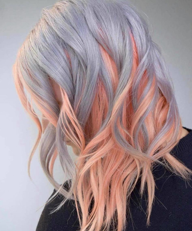 pantone's color of the year 2021 ultimate gray is expected to revive the silver hair trend 6