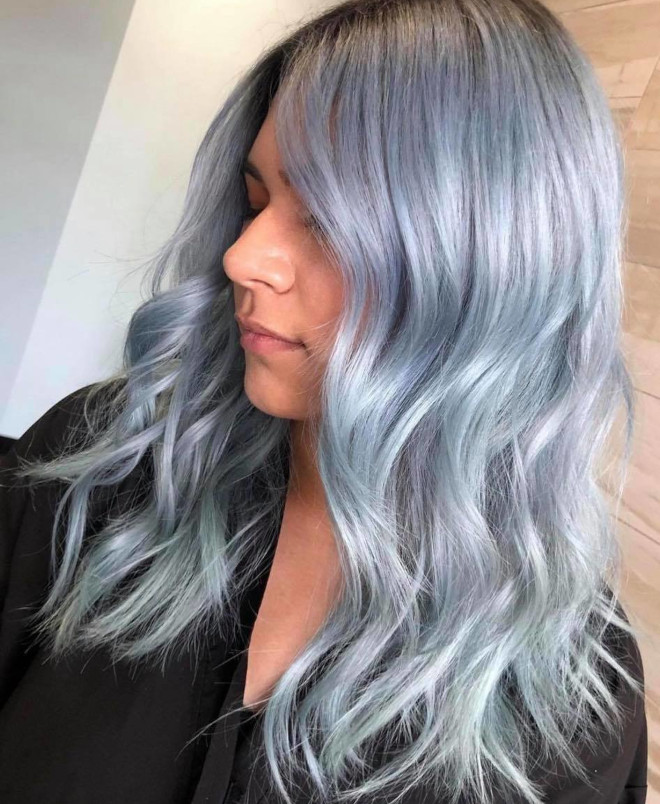 pantone's color of the year 2021 ultimate gray is expected to revive the silver hair trend 8