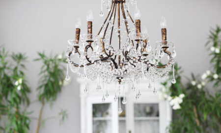 budget-decor-ideas-for-art-lovers-chandelier-in-home-main-image