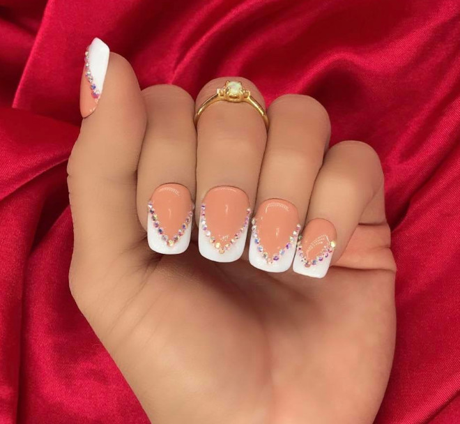 short french manicure ideas to dress your tips 4