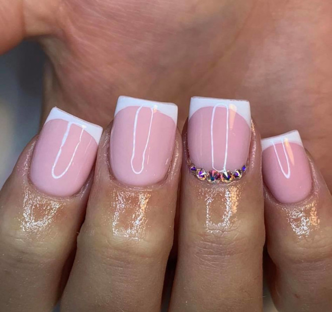 short french manicure ideas to dress your tips 7