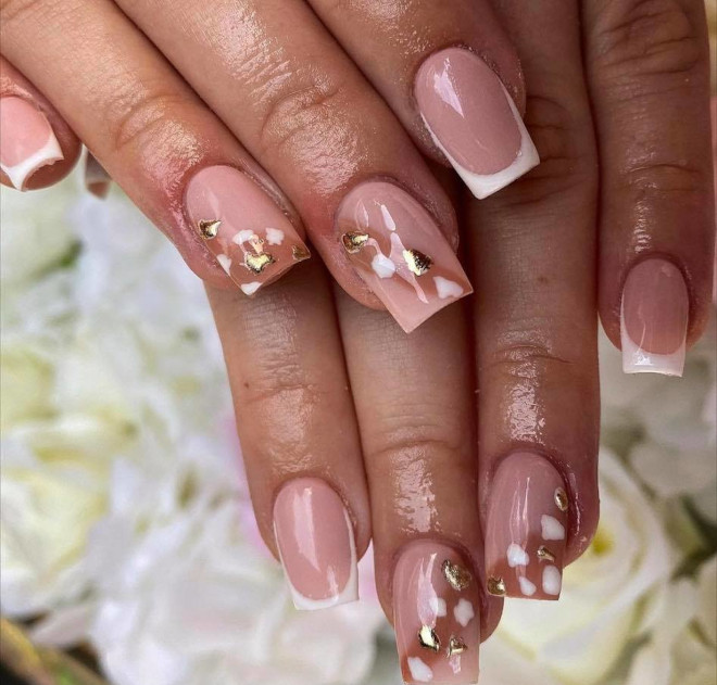 short french manicure ideas to dress your tips 8
