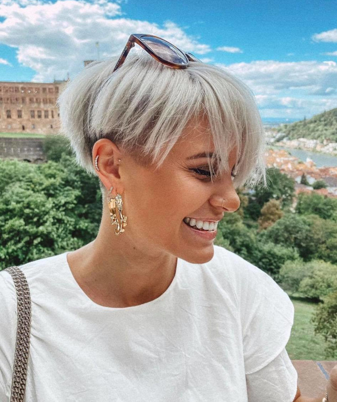 sophisticated short haircuts if you're ready for a big chop 5