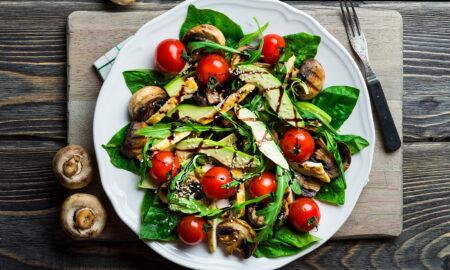 veggies-that-boost-collagen-salad-with-dark-green-leafy-vegetables