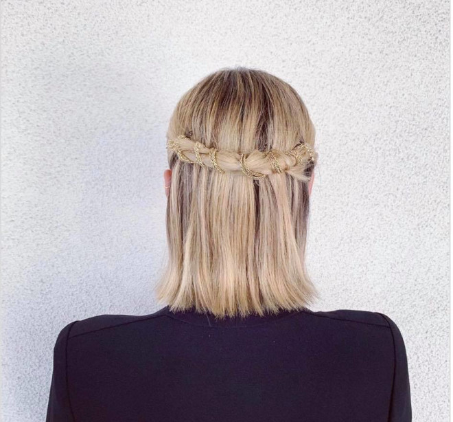 chic straight hairstyles that are not boring at all
