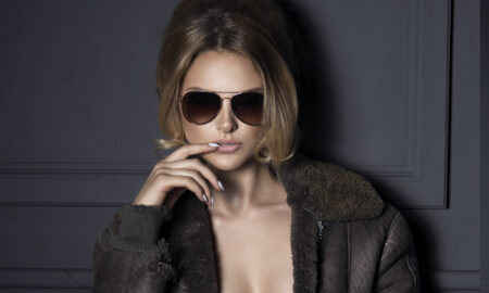 make-face-clear-with-retouchme-hip-girl-in-sunglasses-fashion-photo